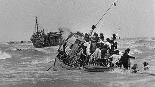Vai Dong Nhan Ngay Giải Phong Miền Nam 30 4 1975 Tiếng Dan