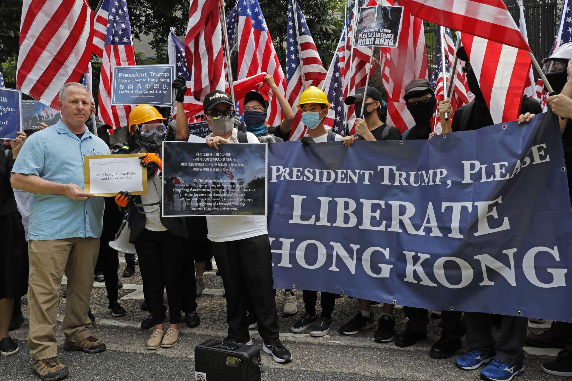 Donald Trump giải phóng Hong Kong?!