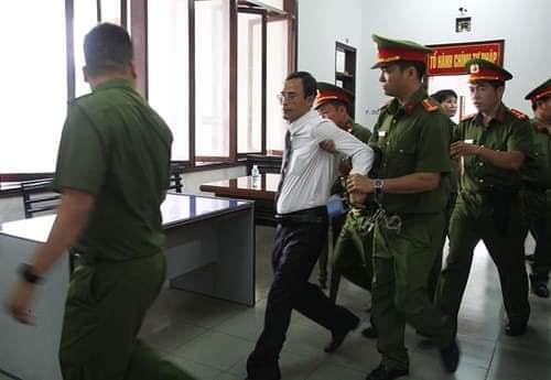 """Kết quả hình ảnh cho Vụ án """"Trốn thuế"""" ở Nha Trang sẽ đi vào lịch sử kinh dị của tố tụng!"""